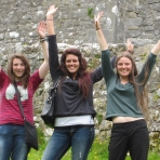 olivia-sallie-and-raizel-at-the-rock-of-cashel